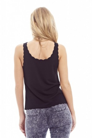Women's Plain Scallop Edge Top In Black Black